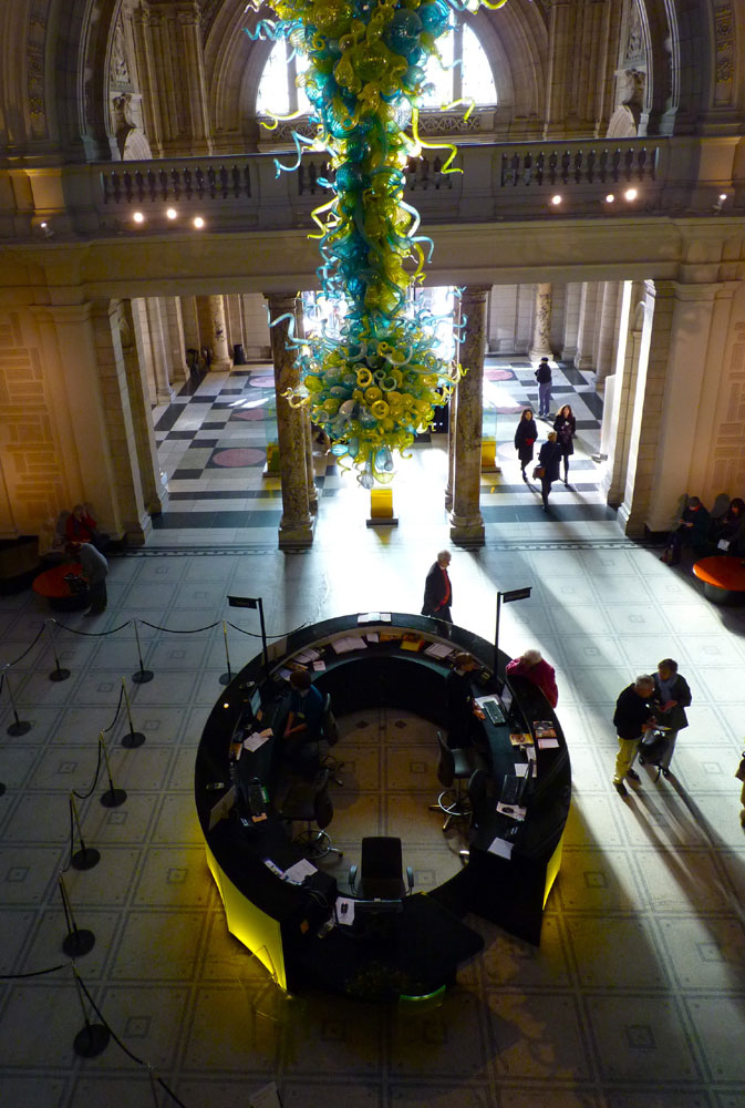 Chihuly rotunda chandelier, Victoria and Albert Museum, London